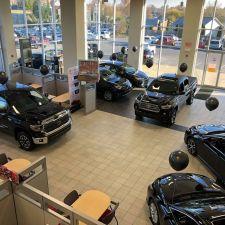 Apple Valley Toyota | 650 Foxcroft Ave, Martinsburg, WV 25401, USA