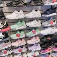 Kids Foot Locker, 3532 village court