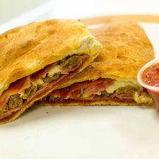 Snappy Tomato Pizza   12181 N Executive Drive #1, Edinburgh, IN 46124, USA