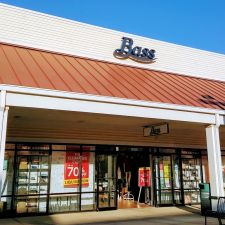 Bass Factory Outlet | PREMIUM OUTLETS, 11785 NE Executive Dr F-105, Edinburgh, IN 46124, USA