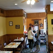 Tom S Country Kitchen 1121 Pa 390 Mountainhome Pa 18342 Usa