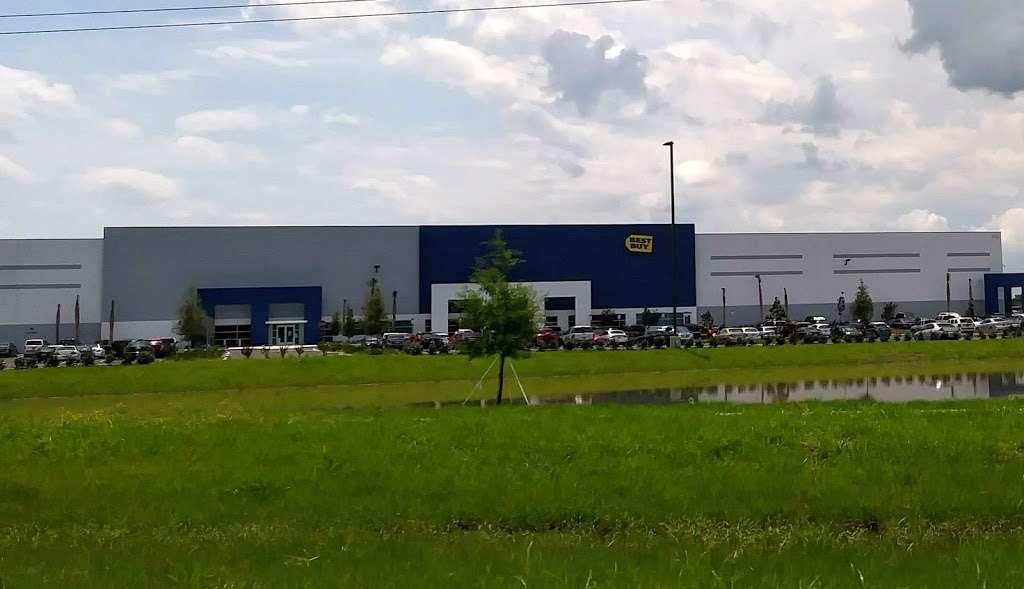 Best Buy Warehouse, Polk City - storage  | Photo 10 of 10 | Address: 8906 State Rd 33 N, Polk City, FL 33868, USA