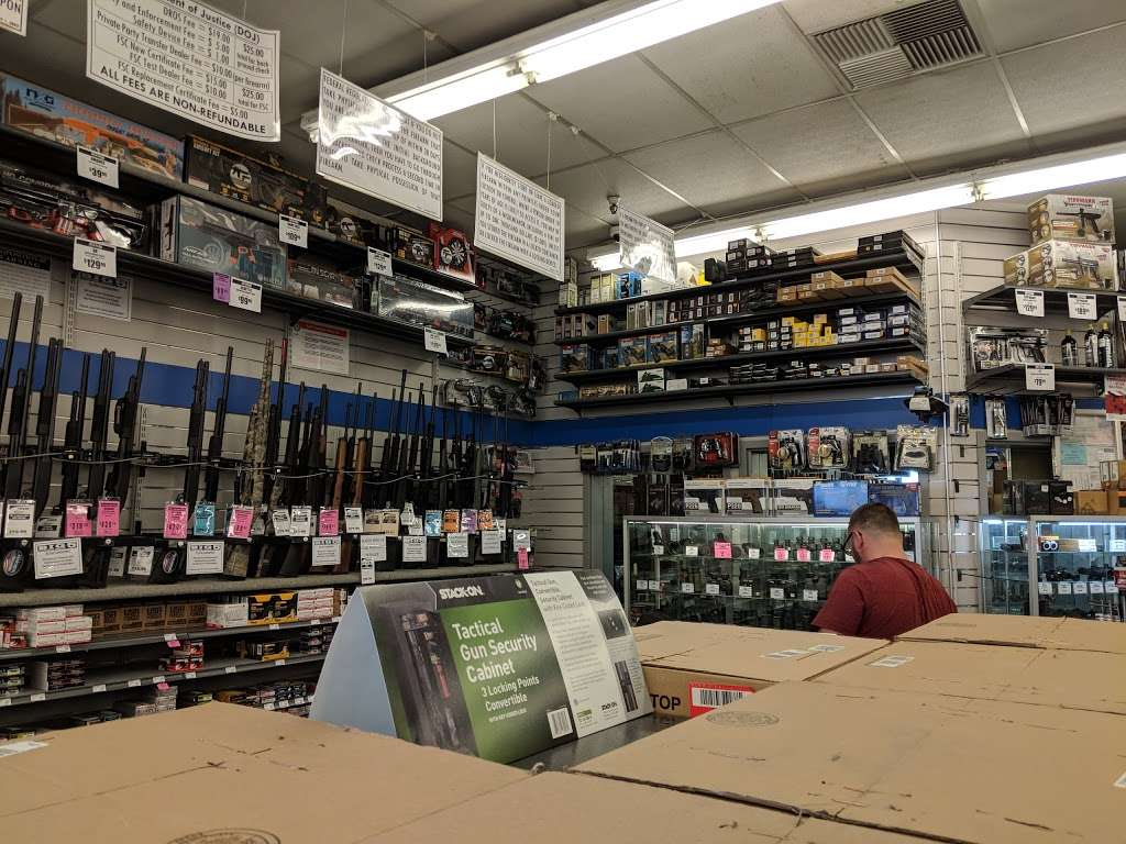 Big 5 Sporting Goods - shoe store  | Photo 1 of 10 | Address: 314 Gellert Blvd, Daly City, CA 94015, USA | Phone: (650) 994-3688