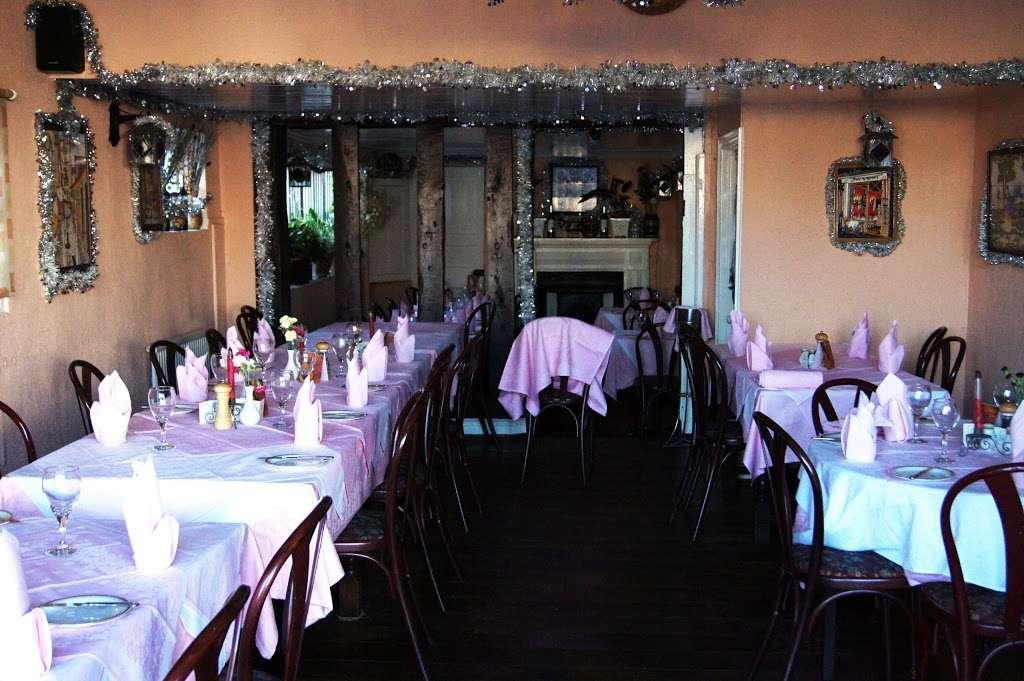 Cafe Estrela do Sul - restaurant  | Photo 1 of 10 | Address: The Square, High St, Hadlow, Tonbridge TN11 0DA, UK
