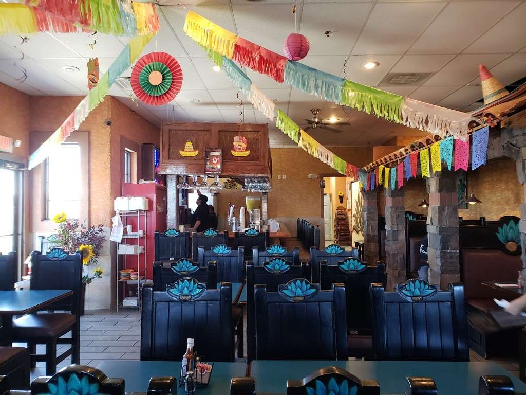 El Maguey - restaurant  | Photo 3 of 10 | Address: 4225 Commonwealth Ct, St Joseph, MO 64503, USA | Phone: (816) 396-5242