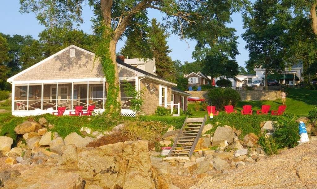 Plum Court Cottage Doll House 7
