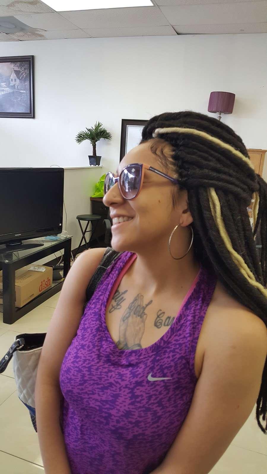 African Braids Center - hair care  | Photo 7 of 10 | Address: 309 W Kiest Blvd b, Dallas, TX 75224, USA | Phone: (855) 425-2977