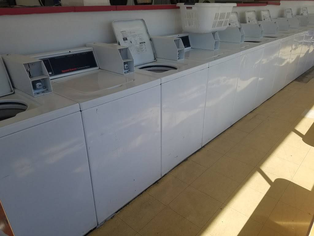 Soap & Pepper Coin Laundry - laundry  | Photo 3 of 6 | Address: 22142 Alessandro Blvd, Moreno Valley, CA 92553, USA | Phone: (951) 251-5124