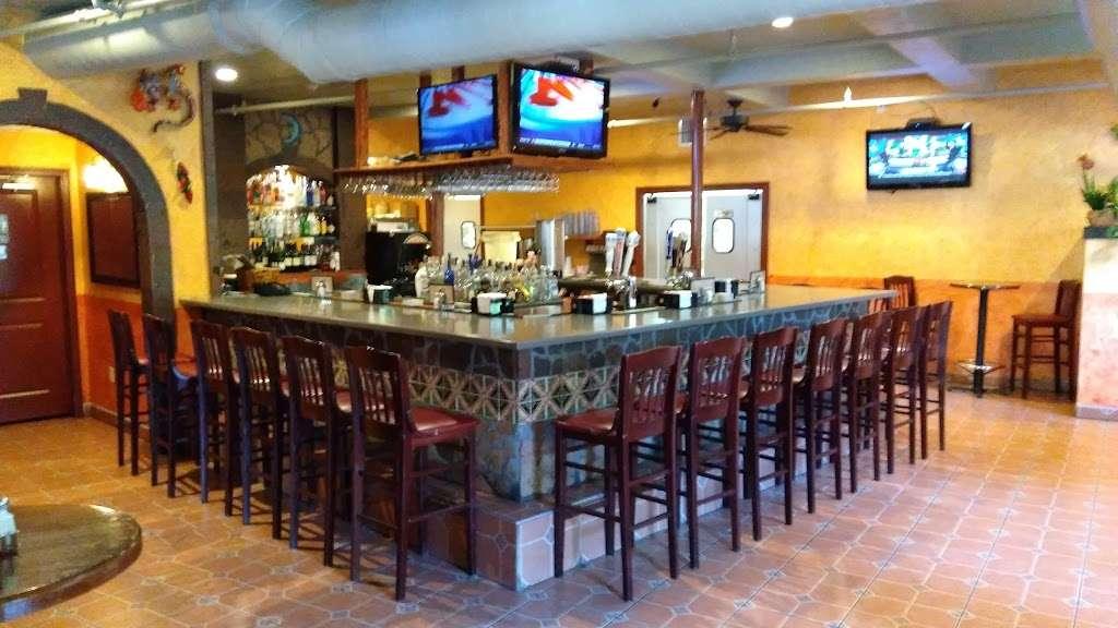 El Tapatio Mexican Restaurant - night club    Photo 9 of 10   Address: 300 Newburyport Turnpike, Rowley, MA 01969, USA   Phone: (978) 432-1336