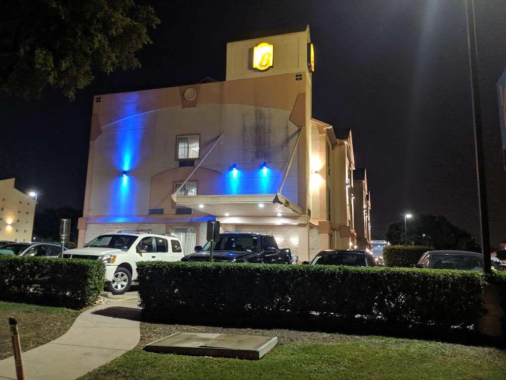 Super 8 by Wyndham Irving/DFW Apt/North - lodging  | Photo 6 of 10 | Address: 4770 W John Carpenter Fwy, Irving, TX 75063, USA | Phone: (214) 441-9000