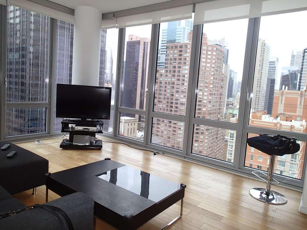 HighRiseNY - real estate agency    Photo 1 of 3   Address: 350 W 42nd St #6f, New York, NY 10036, USA   Phone: (833) 556-3556