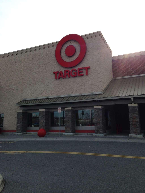 Target - department store    Photo 1 of 10   Address: 10 Crooked Run Plaza, Front Royal, VA 22630, USA   Phone: (540) 631-3290