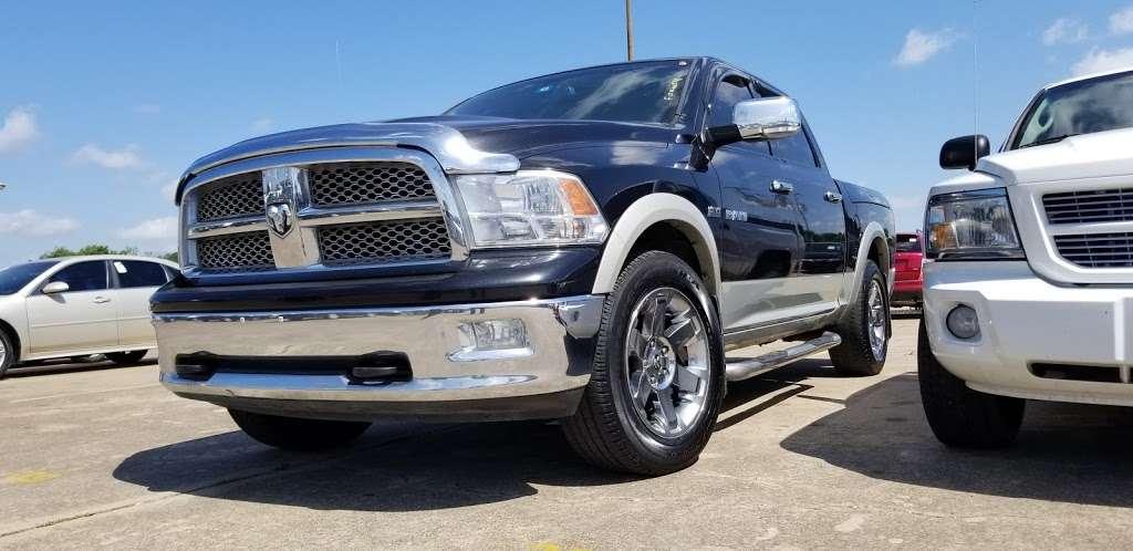 Mi Gente Dallas - car dealer  | Photo 8 of 10 | Address: 935 S Buckner Blvd, Dallas, TX 75217, USA | Phone: (972) 512-8178