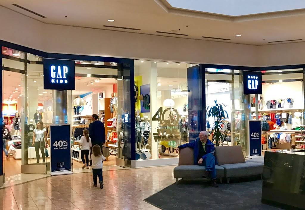 Gap - clothing store  | Photo 3 of 8 | Address: 1178 St Louis Galleria St, Richmond Heights, MO 63117, USA | Phone: (314) 727-5996