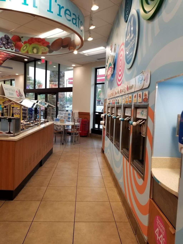 RaceTrac - gas station  | Photo 1 of 10 | Address: 2001 Saxon Blvd, Deltona, FL 32725, USA | Phone: (386) 561-2081