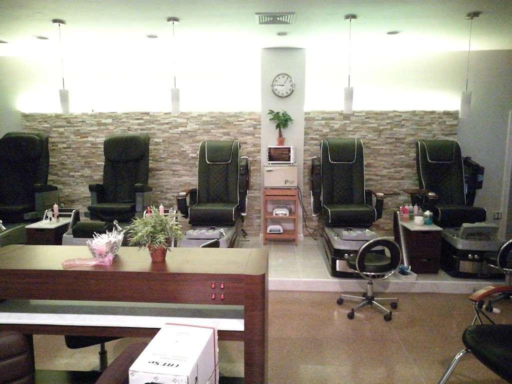 Dawa Threading Salon - hair care  | Photo 1 of 10 | Address: 30-13 30th Ave, Astoria, NY 11102, USA | Phone: (718) 721-7300