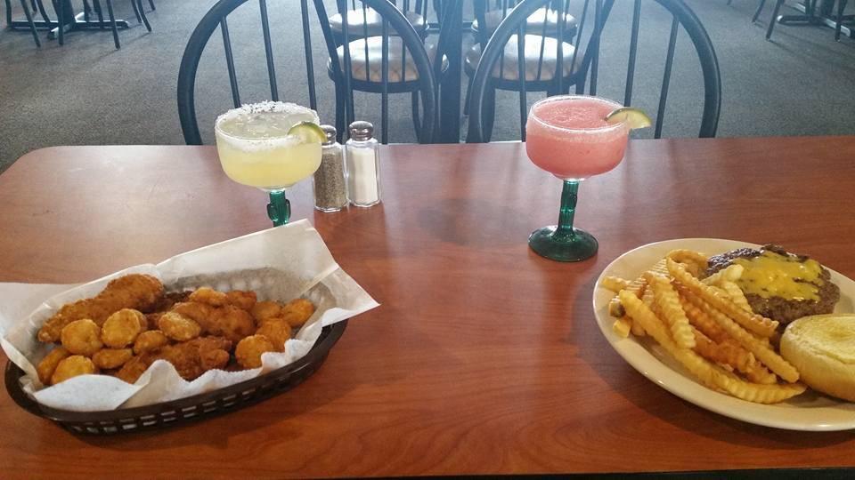 Jonesys taco house - restaurant  | Photo 2 of 10 | Address: 1116 E Locust St, Carter Lake, IA 51510, USA | Phone: (712) 847-0244