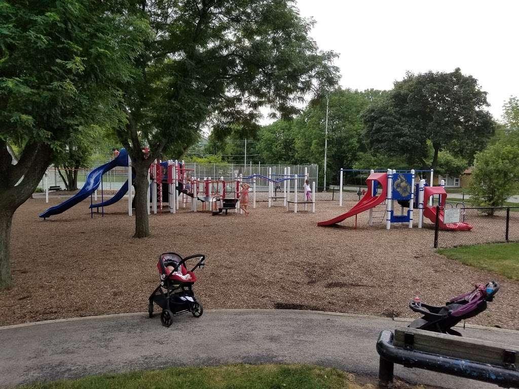 Memorial Park - park  | Photo 9 of 10 | Address: La Grange Park, IL 60526, USA