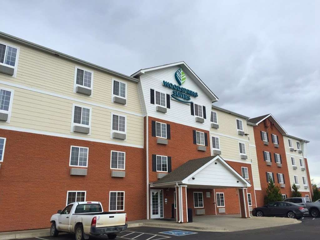 WoodSpring Suites Indianapolis Plainfield - lodging  | Photo 1 of 10 | Address: 6295 Gateway Dr, Plainfield, IN 46168, USA | Phone: (317) 837-2950