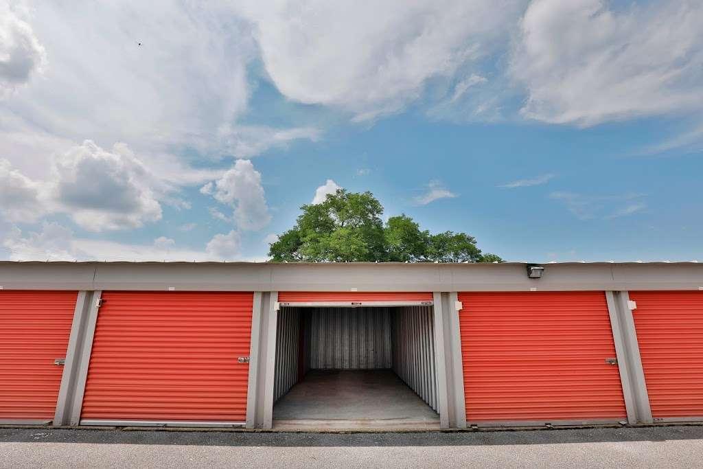 Storage Rentals of America - storage  | Photo 7 of 10 | Address: 100 E Scotland Dr, Bear, DE 19701, USA | Phone: (302) 786-0796