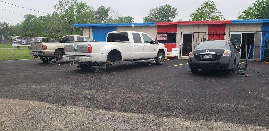Sierra's Tire Shop - car repair  | Photo 3 of 10 | Address: 8105 Bayway Dr, Baytown, TX 77520, USA | Phone: (346) 265-1754