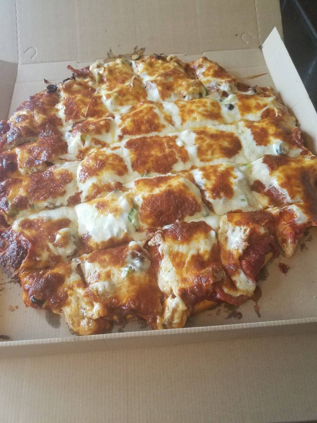 PIZZA MAN VADNAIS HEIGHTS LITTLE CANADA - meal delivery  | Photo 1 of 10 | Address: 753 County Rd D E, St Paul, MN 55117, USA | Phone: (651) 482-9989