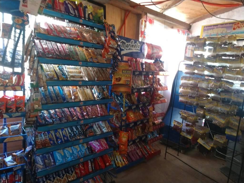 Minisuper Cecy - supermarket  | Photo 3 of 5 | Address: Loma, Lomas de Sta. María, Cerró colorado 4ta sección, Bugambilias, 22223 Tijuana, B.C., Mexico | Phone: 664 803 7591