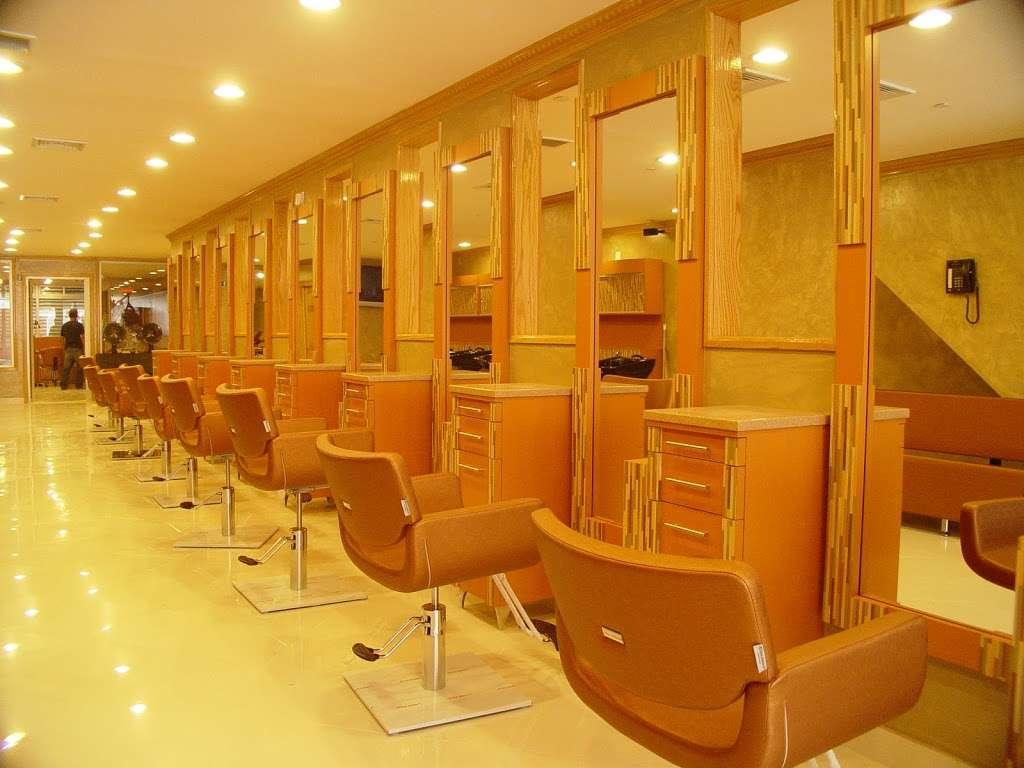 Rizos Spa - hair care  | Photo 3 of 10 | Address: 41-17 National St, Corona, NY 11368, USA | Phone: (718) 899-1575