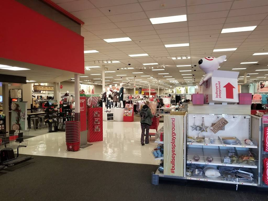 Target - department store    Photo 2 of 10   Address: 333 N 48th St, Lincoln, NE 68504, USA   Phone: (402) 464-8292