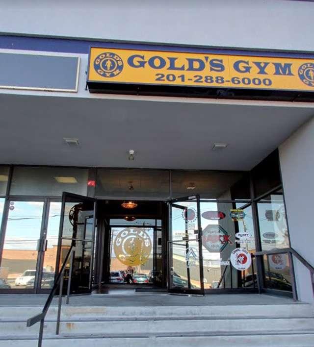 Golds Gym - gym    Photo 6 of 10   Address: 100 Hollister Rd, Teterboro, NJ 07608, USA   Phone: (201) 288-6000