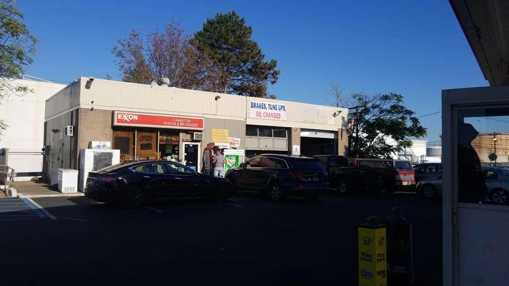 Exxon - gas station  | Photo 5 of 10 | Address: 1104 US-1, Linden, NJ 07036, USA | Phone: (908) 862-2330