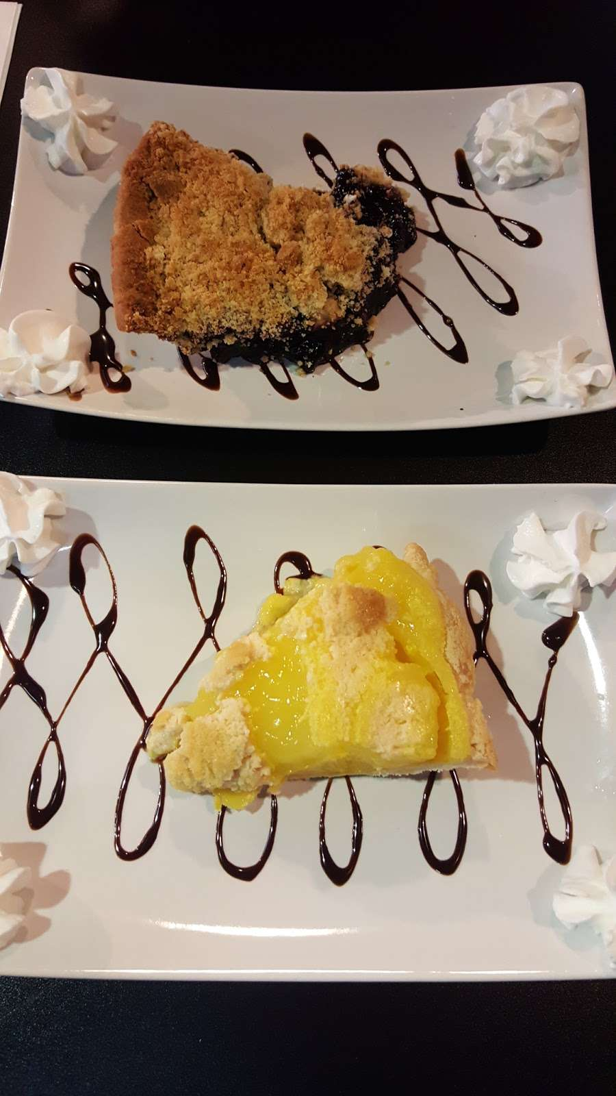 Pies To Die For Cafe - cafe  | Photo 7 of 10 | Address: 5 Broadway, Bangor, PA 18013, USA | Phone: (610) 340-4756