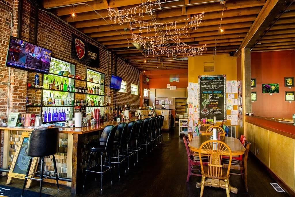 Wild Garlic Pizza & Pub - restaurant  | Photo 4 of 10 | Address: 670 Mt Rose St, Reno, NV 89509, USA | Phone: (775) 284-8900