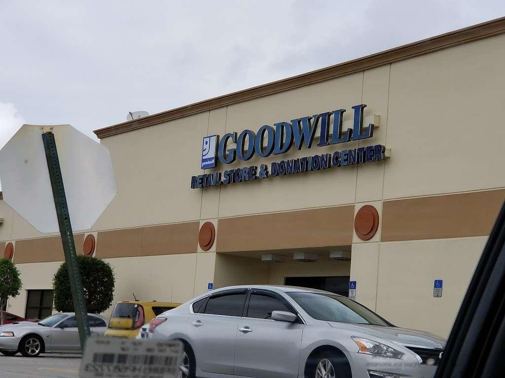 Goodwill - store  | Photo 1 of 10 | Address: 4851 US-1, Rockledge, FL 32955, USA | Phone: (321) 890-1441