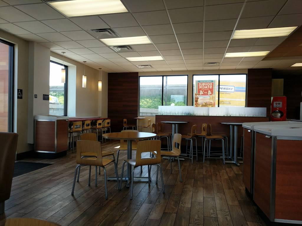 Wendys - restaurant  | Photo 2 of 8 | Address: 13922 Red Hill Ave, Tustin, CA 92780, USA | Phone: (714) 669-0871