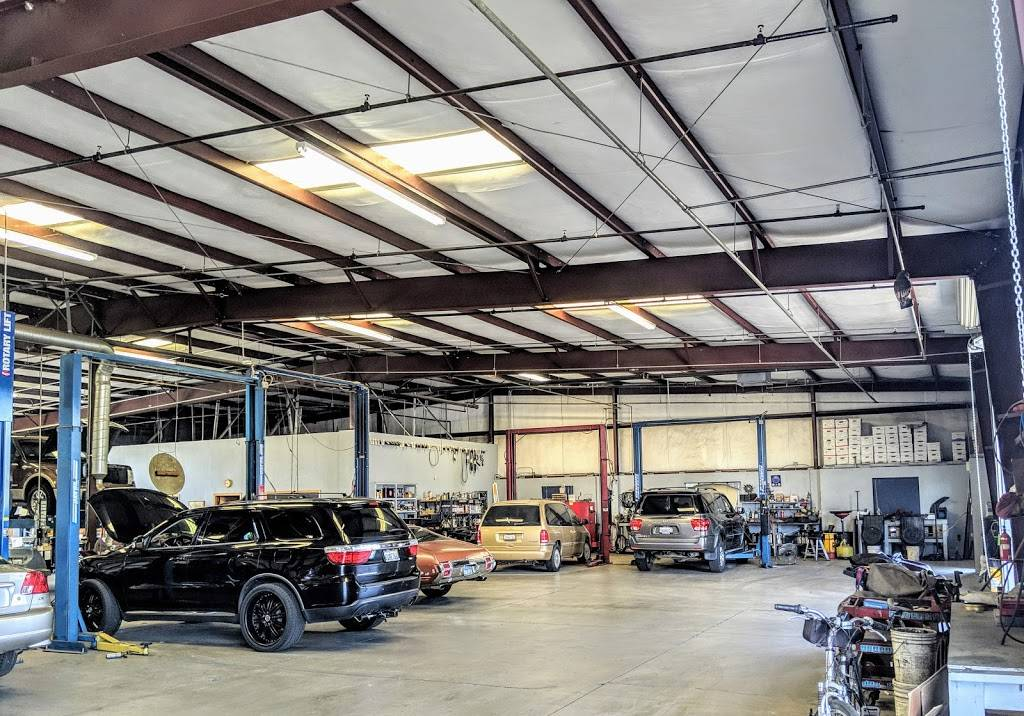 Sunnyside Auto Repair Inc. - car repair    Photo 2 of 7   Address: 5977 E Clinton Ave, Fresno, CA 93727, USA   Phone: (559) 292-1986