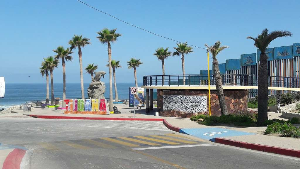 El Muro en la Playa, Tijuana - museum  | Photo 6 of 10 | Address: Faro, Monumental, Tijuana, B.C.