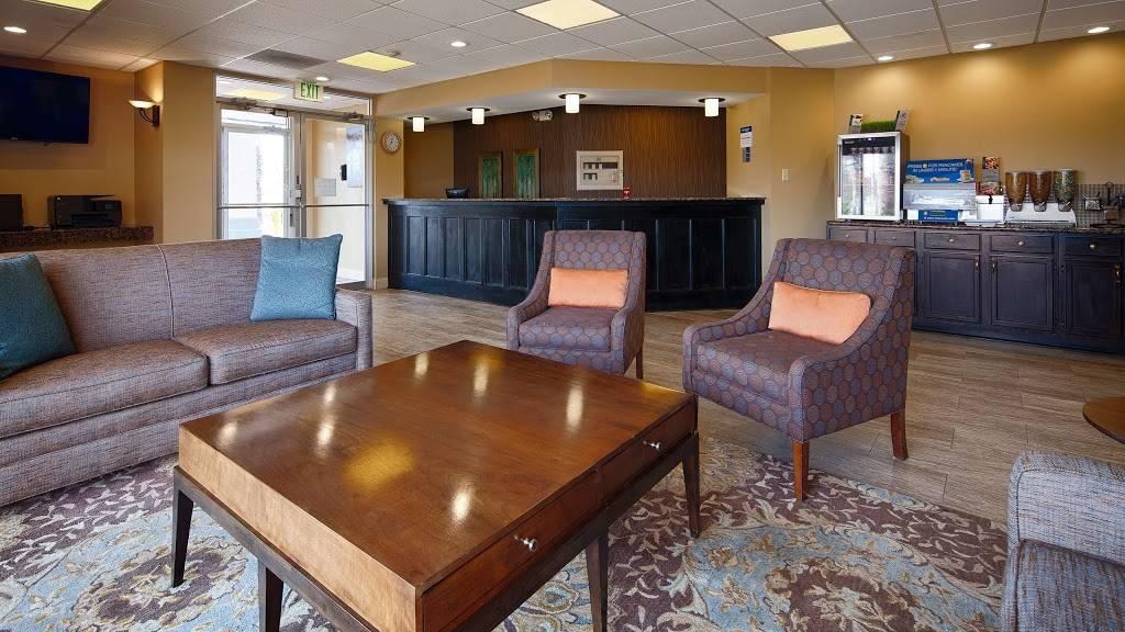 Best Western Magnolia Manor - lodging  | Photo 7 of 10 | Address: 234 N Lobdell Hwy, Port Allen, LA 70767, USA | Phone: (225) 344-3638