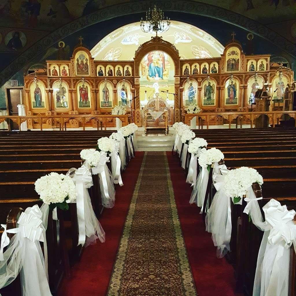 St Thomas Episcopal Church - church  | Photo 5 of 10 | Address: 6 Commonwealth Blvd, Bellerose, NY 11001, USA | Phone: (516) 354-6866