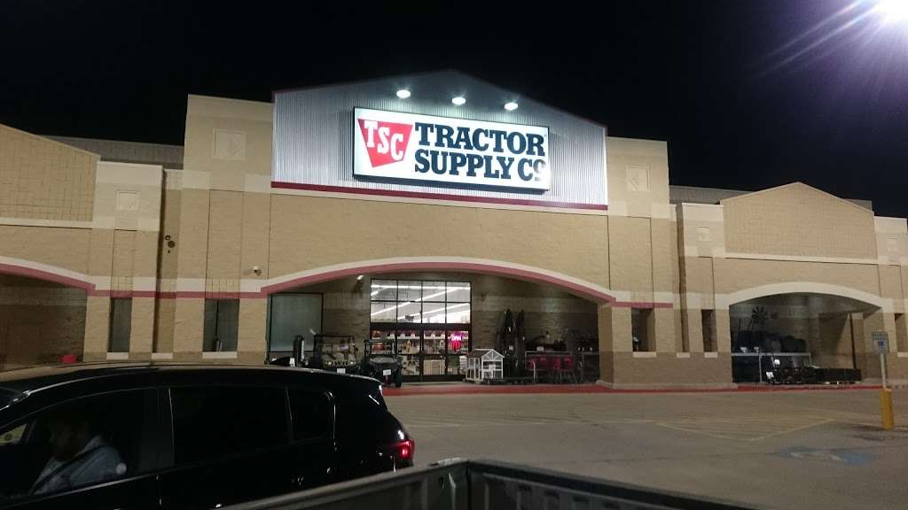 Tractor Supply Co. - hardware store  | Photo 10 of 10 | Address: 12466 Interstate 45 N Ste B, Willis, TX 77378, USA | Phone: (936) 856-1549