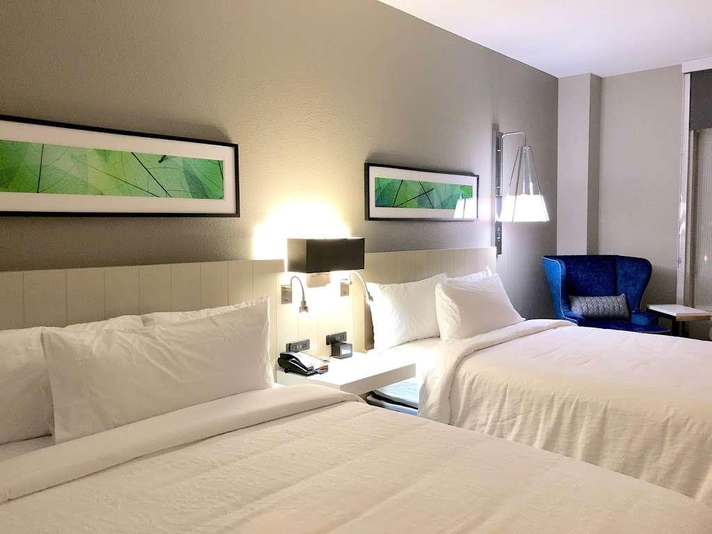 Hilton Garden Inn Houston-Baytown - lodging  | Photo 8 of 10 | Address: 4910 E Chase St, Baytown, TX 77521, USA | Phone: (281) 838-8208