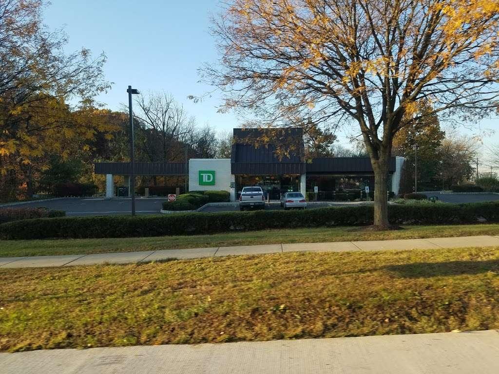 TD Bank - bank    Photo 2 of 4   Address: 701 E Street Rd, Feasterville-Trevose, PA 19053, USA   Phone: (215) 355-3301