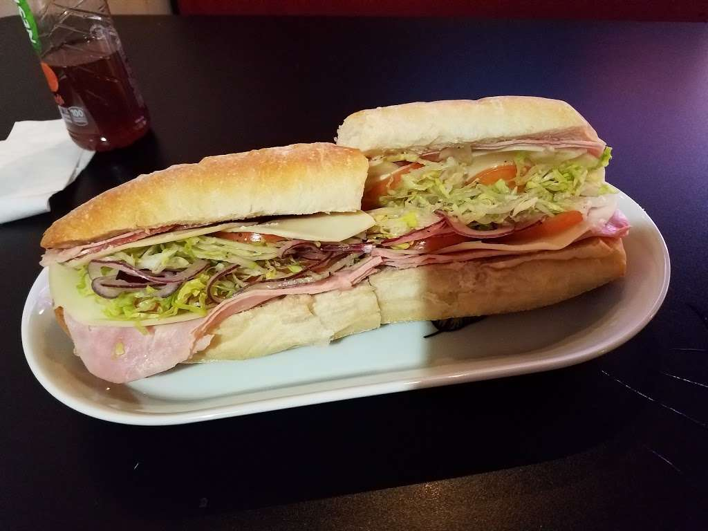 Johnnys Pizzeria - restaurant  | Photo 5 of 10 | Address: 520 Bergen Blvd, Palisades Park, NJ 07650, USA | Phone: (201) 944-4476