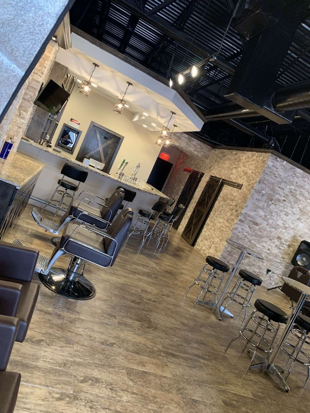 The Gent's Spot Barbershop & Lounge - hair care  | Photo 2 of 10 | Address: 1029 Hwy 6 N. Suite 600, Houston, TX 77079, USA | Phone: (281) 835-4426