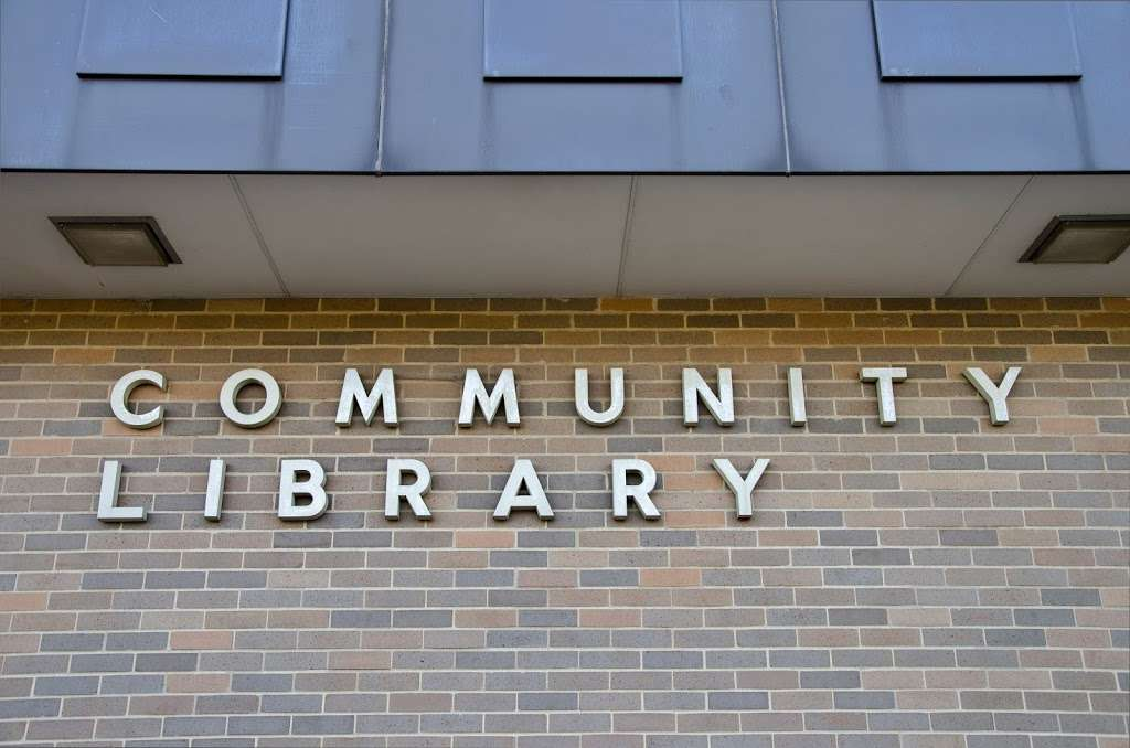 Mokena Community Public Library District - library  | Photo 8 of 10 | Address: 11327 195th St, Mokena, IL 60448, USA | Phone: (708) 479-9663