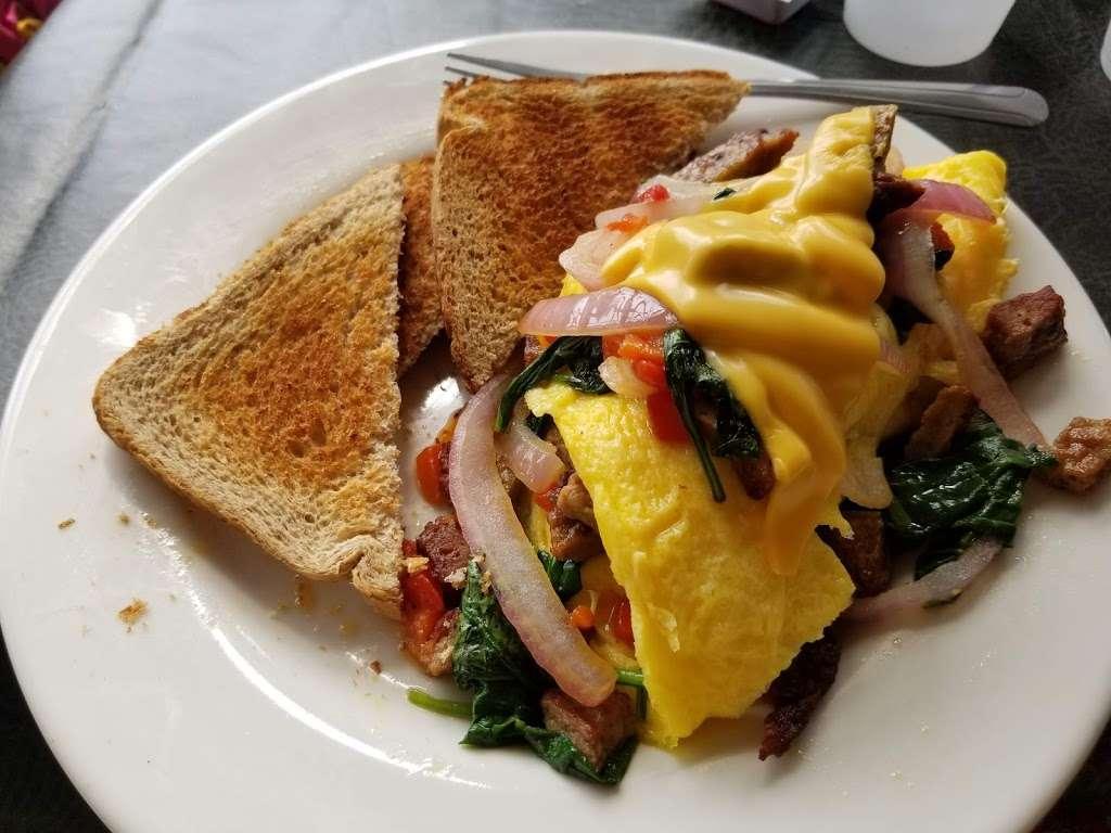 Rise & Grind Cafe - cafe  | Photo 3 of 10 | Address: 2737 N Doctor M.L.K. Jr Dr, Milwaukee, WI 53212, USA | Phone: (414) 249-3846