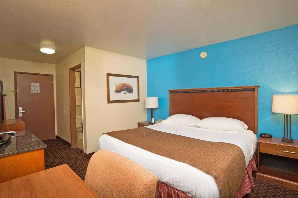 Americas Best Value Inn Lincoln Airport - lodging  | Photo 4 of 10 | Address: 3001 NW 12th St, Lincoln, NE 68521, USA | Phone: (402) 475-3211