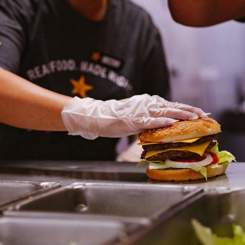 Carls Jr. - restaurant  | Photo 8 of 10 | Address: 1519 W Baseline Rd, Guadalupe, AZ 85283, USA | Phone: (480) 838-4063