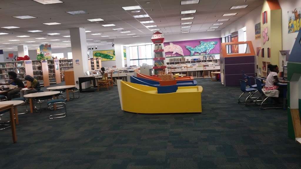 North Regional/Broward College Library - library  | Photo 5 of 10 | Address: 1100 Coconut Creek Blvd, Coconut Creek, FL 33066, USA | Phone: (954) 201-2600