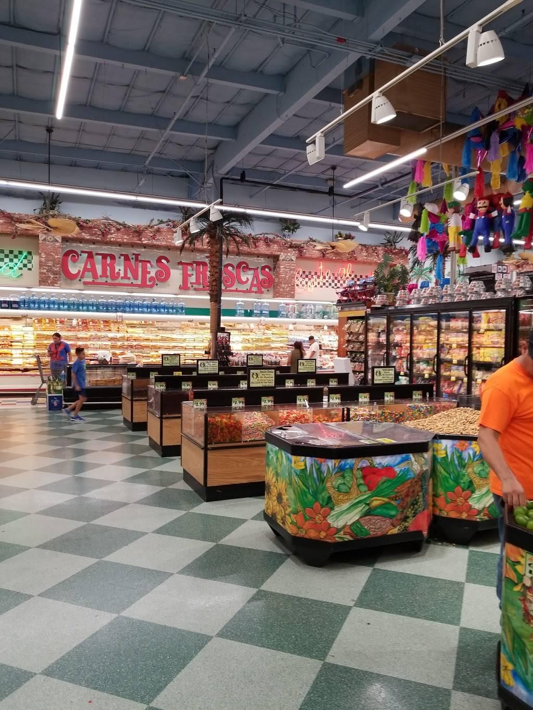 Vallarta Supermarkets - supermarket  | Photo 8 of 10 | Address: 5951 Niles St, Bakersfield, CA 93306, USA | Phone: (661) 366-4916
